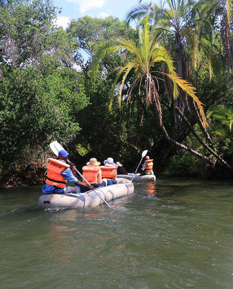 canoeing-the-zambezi-1