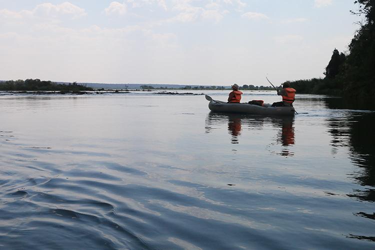 canoeing-the-zambezi-3