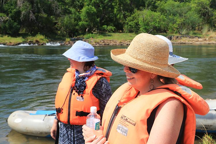 canoeing-the-zambezi