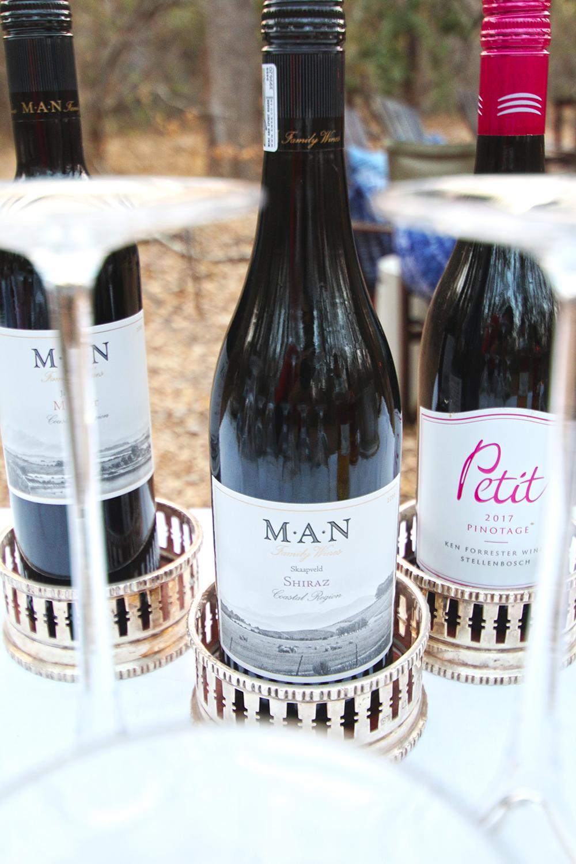 Island dining wine