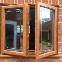 Flying mullion oak pvc window