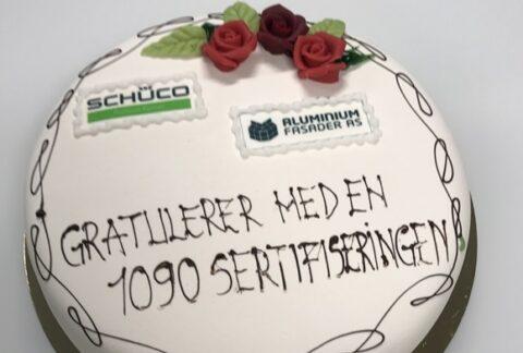 Schüco serverte kake på den store dagen