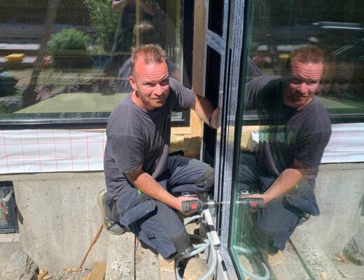 Fire medarbeidere bestod fagprøve i glassfaget for praksiskandidater