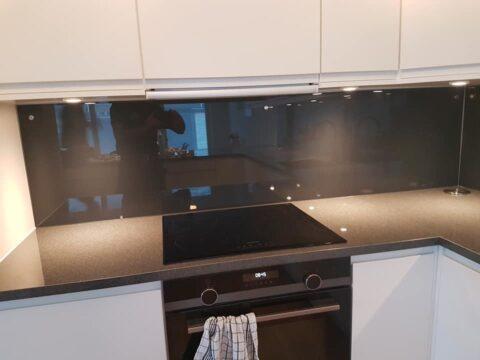 HERDET GLASS: Glass som brukes på kjøkkenet tåler mye og er lett å holde rent.