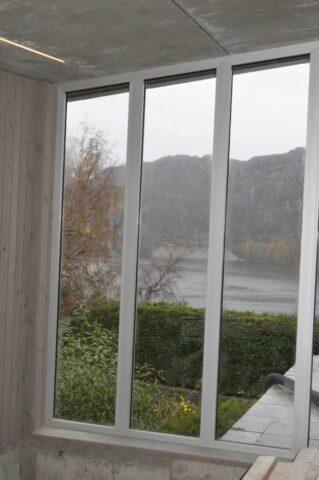 MER LYS: Schüco-design gjør at byggherren får havgløtt i sin rehabiliterte bolig.