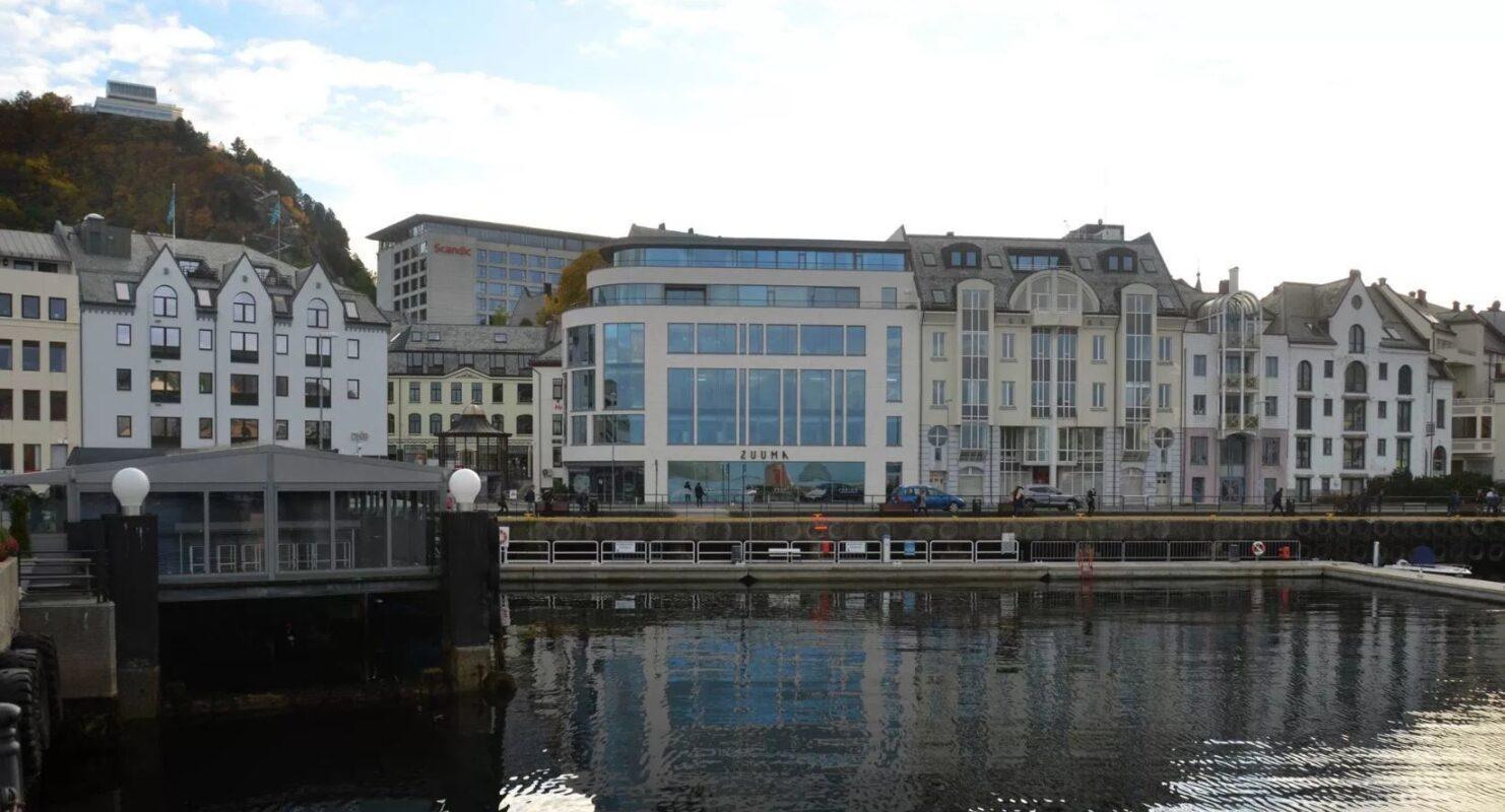 Den moderne bygningen sklir godt inn i jugendstilen i Ålesund