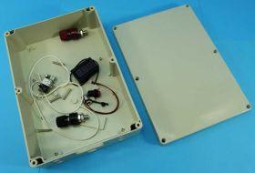 OBUDOWA DO 18650 26x18,5x8cm (104szt)MIERNIK+PRZET.USB
