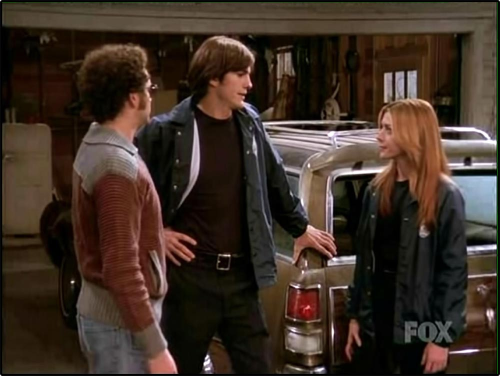 Figure 10.33 A continuity error in the multiple-­camera production That 70's Show. The actor on the left's hand is at his side . . .