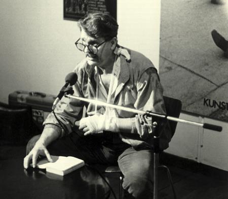 HC Artmann, Lesung bei der Helnwein-Ausstelungseröffnung, Münchner Stadtmuseum, 1983