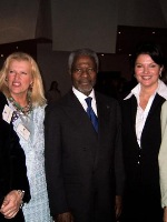 Helnwein-attends-Private-Luncheon-adressing-the-issue-of-landmines-hosted-by-Diane-Disney-in-honor-of-UN-Secretary-General-Kofi-Annan.-