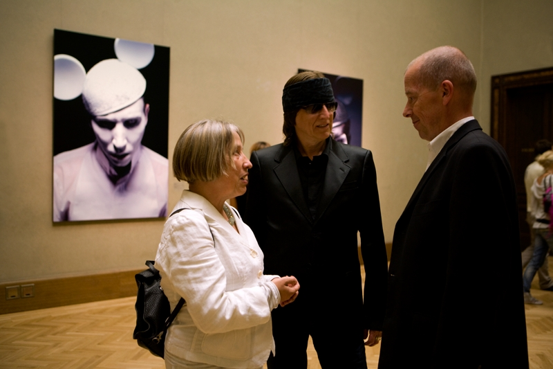 Antje Vollmer, former vice-speaker of German parliament, Gottfried Helnwein and Peter Nedoma, director of the Galerie Rudolfinum