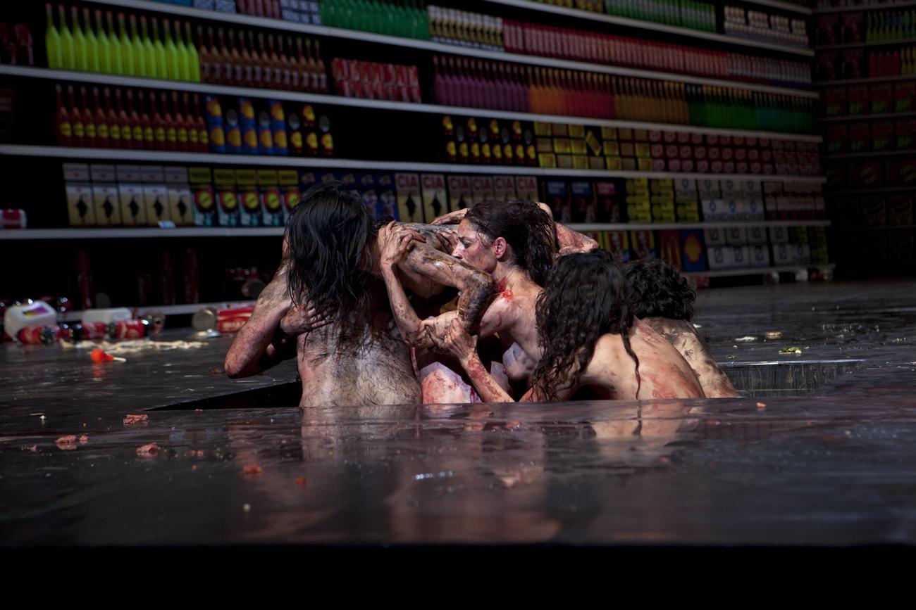 Die 120 Tage von Sodom nach de Sade und Pasolini, Johann Kresnik, Gottfried Helnwein, Volksbühne Berlin