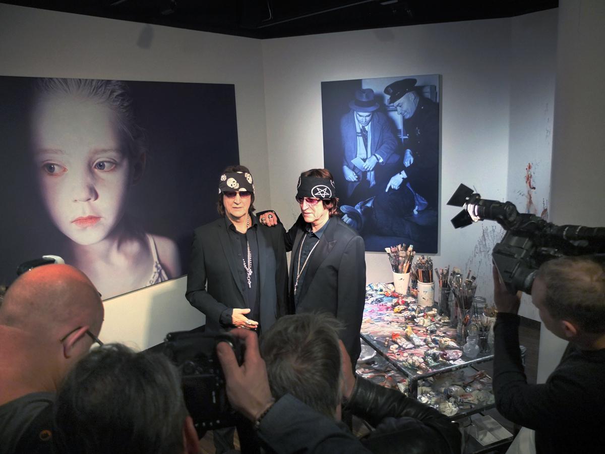 Gottfried Helnwein and his counterpart in Wax at Madame Tussauds in Vienna