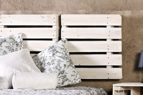 Top 20 Recycled Pallet Bed Frames | Enviromate