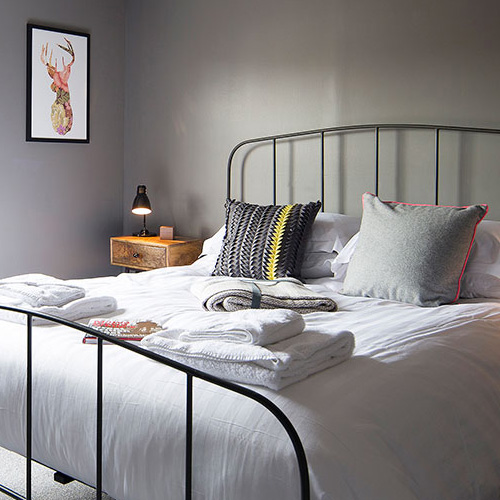 King size bed with gorgeous cushions