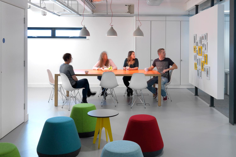 The Workshops 3rd Floor meeting area.