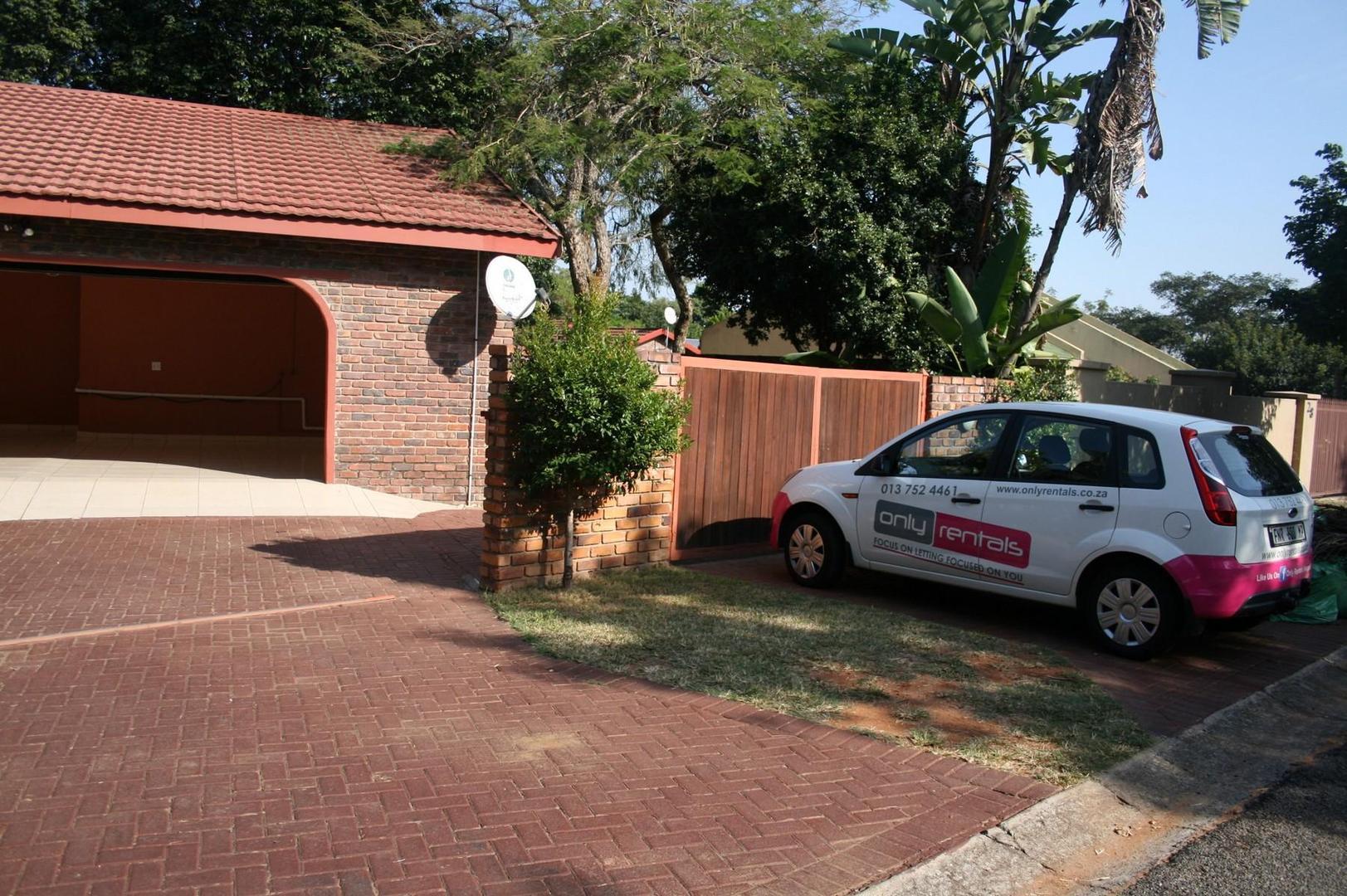 4 BedroomHouse To Rent In West Acres