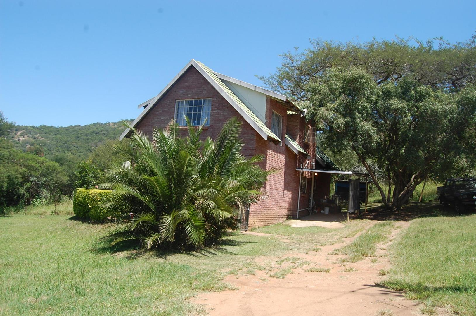 9 BedroomHouse To Rent In White River