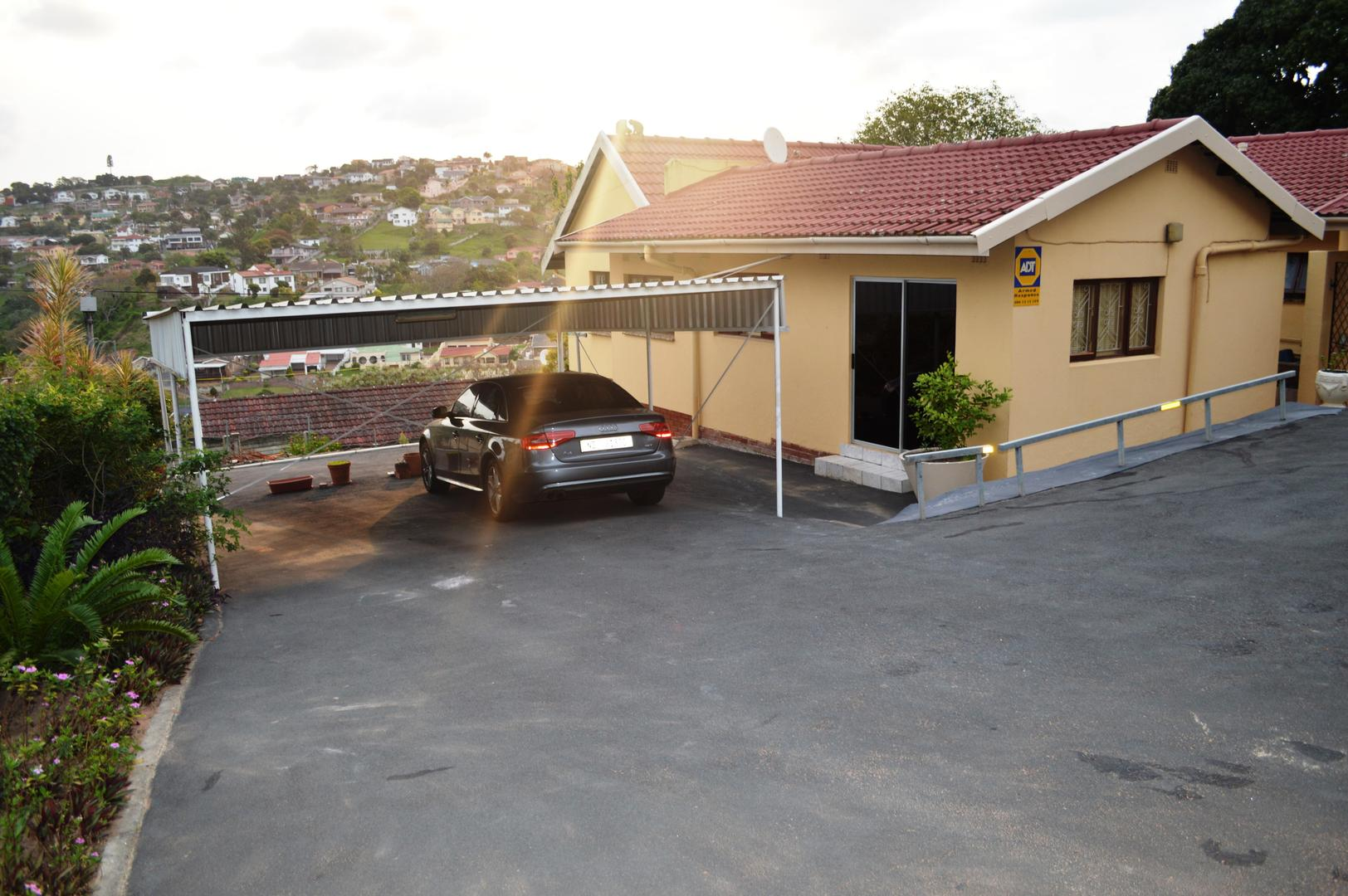 3 BedroomHouse For Sale In Chatsworth