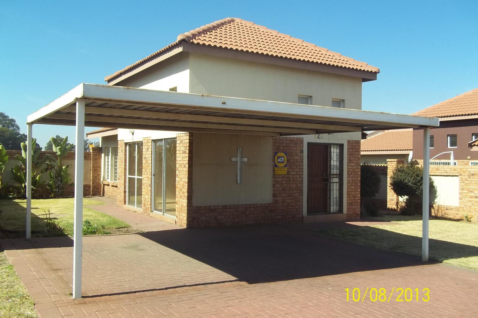 2 BedroomHouse To Rent In Reyno Ridge