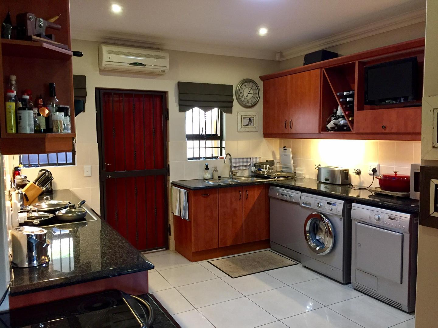 3 Bedroom House for sale in La Lucia 1801093 : photo#10