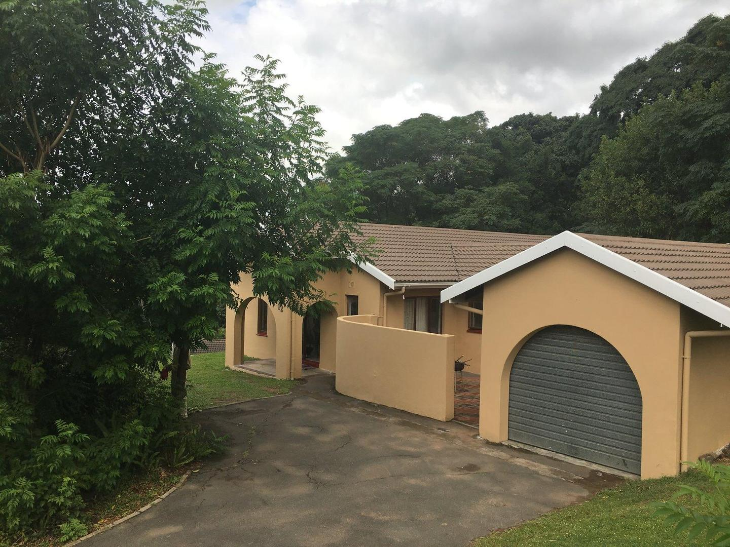 3 BedroomHouse For Sale In Moseley Park