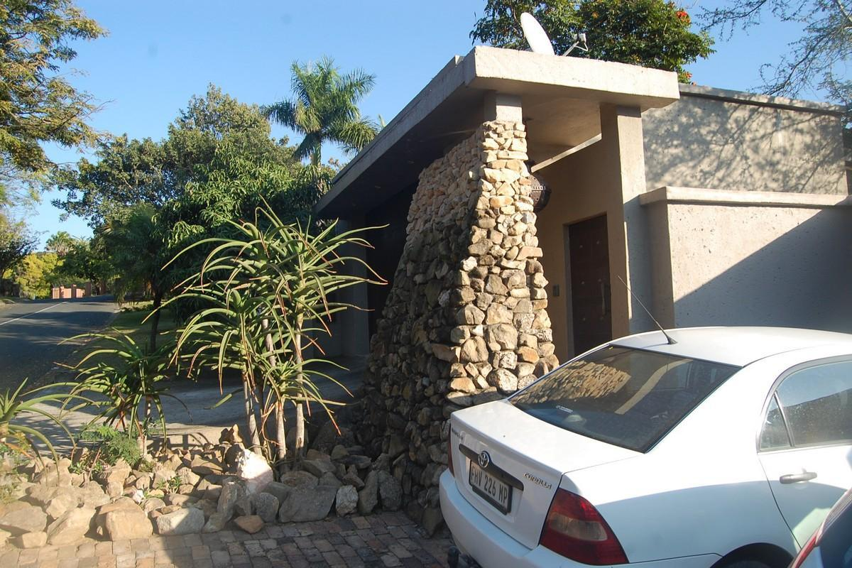 2 BedroomHouse To Rent In Steiltes