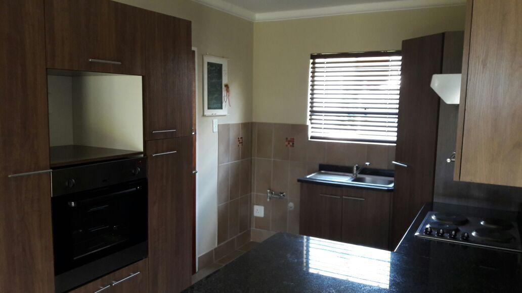 3 BedroomHouse For Sale In Waterfall East