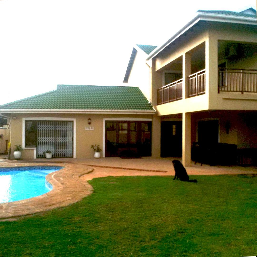 4 BedroomHouse For Sale In Somerset Park