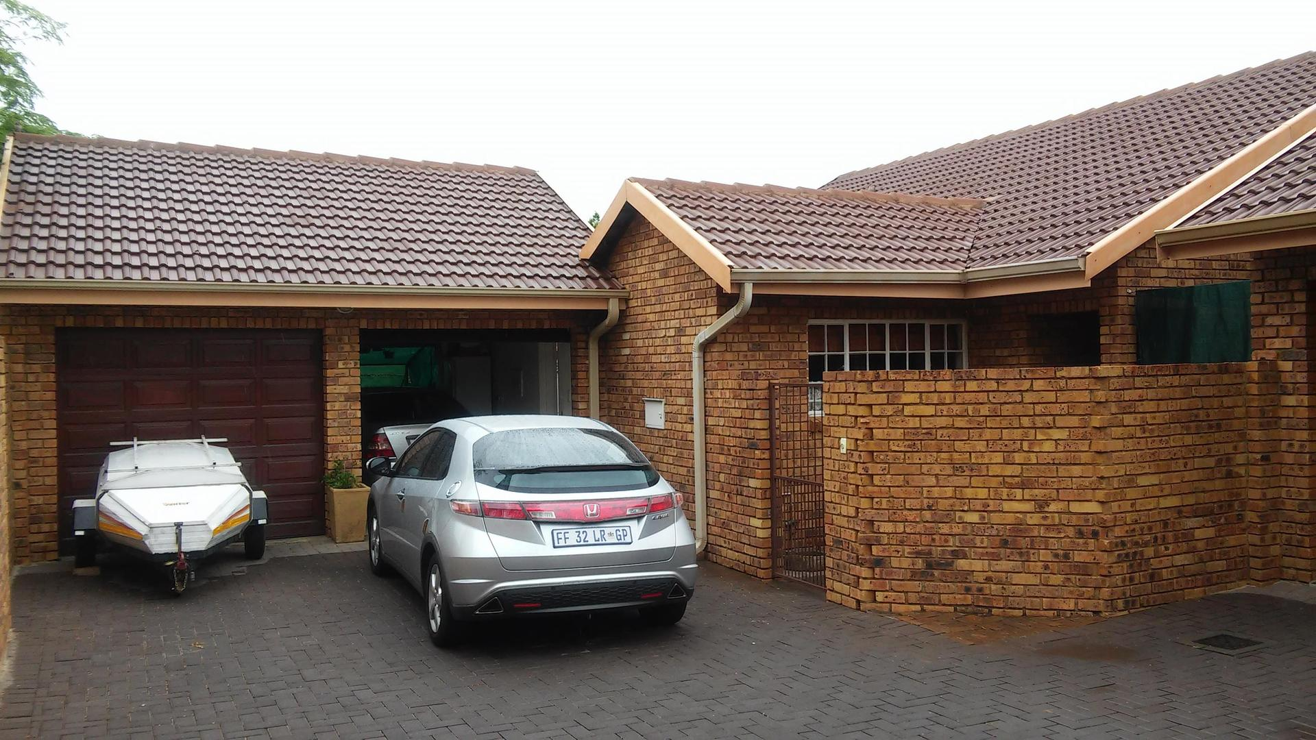 3 BedroomHouse To Rent In Amberfield