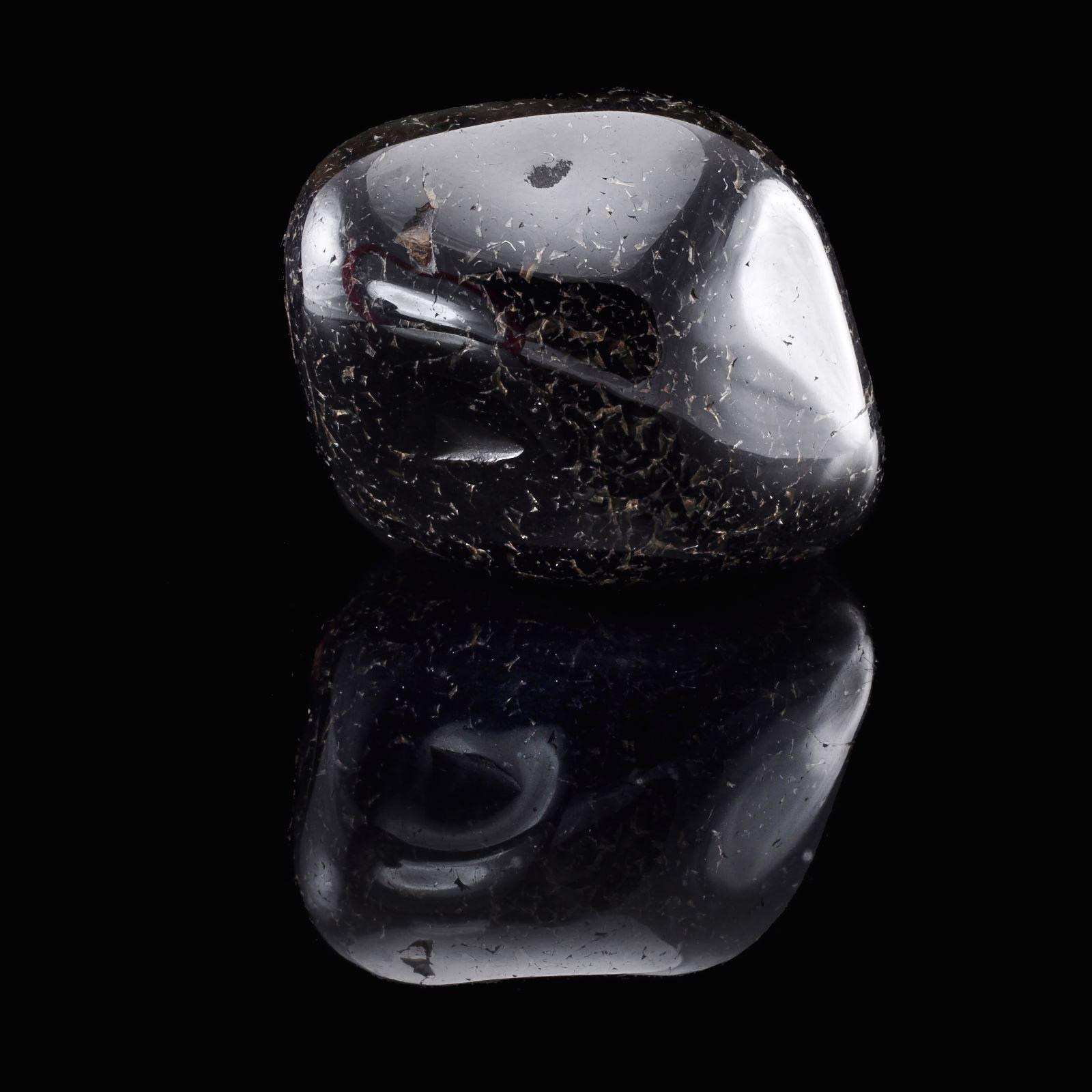 Schwarzer Onyx-Stein