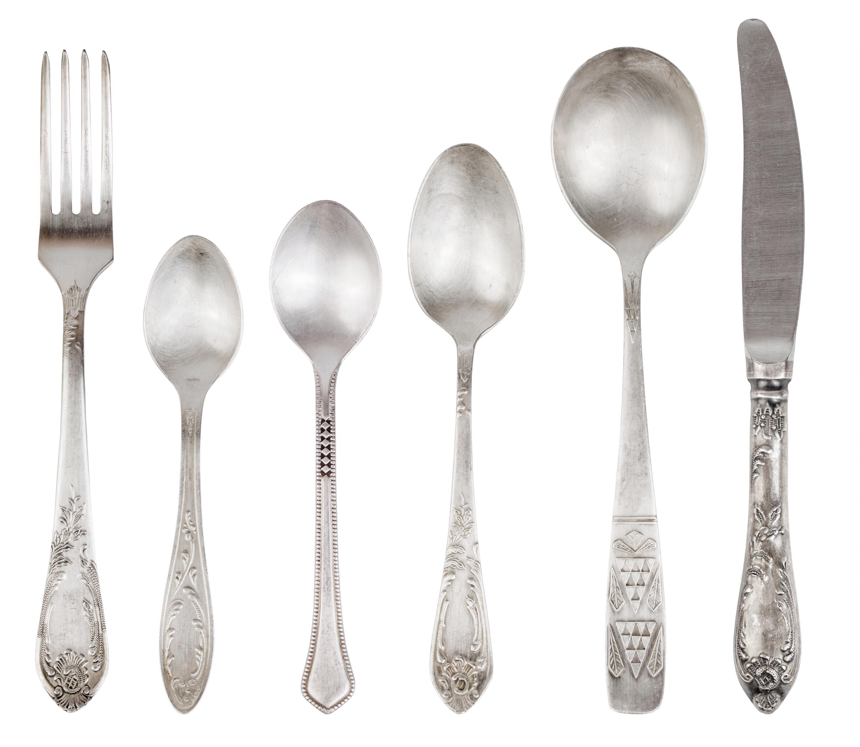 Silberbesteck Vintage mit Löffeln Messer und Gabel