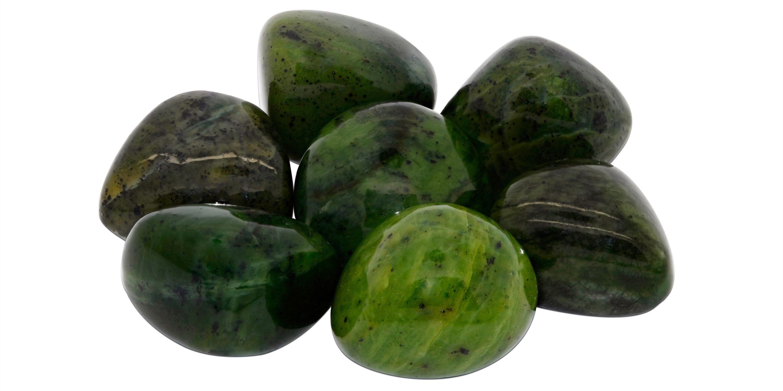 Jade in verschiedenen Grüntönen