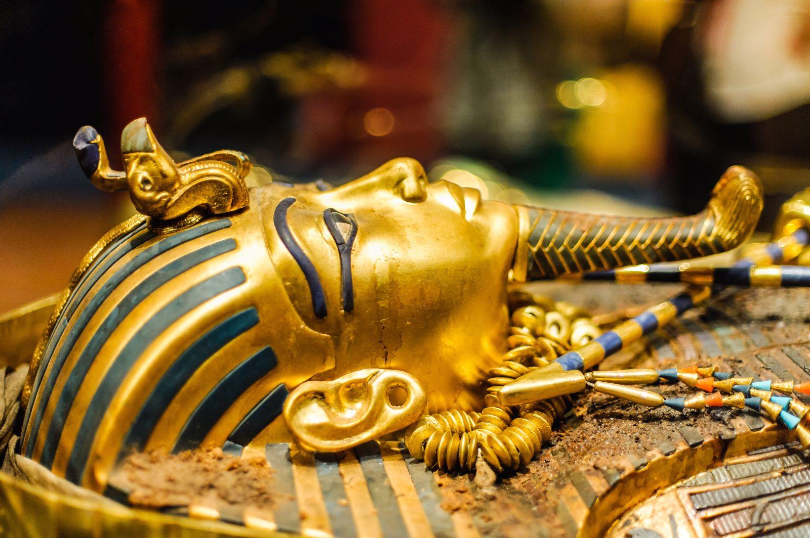 Tutanchamun-Totenmaske mit Lapislazuli