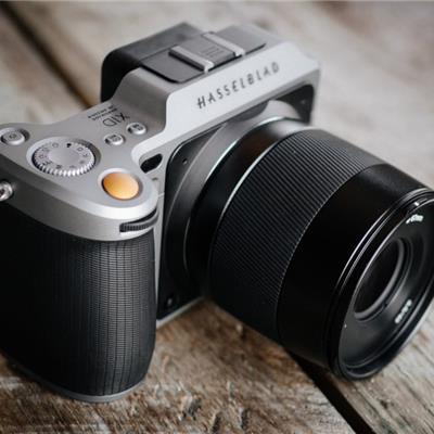 Hasselblad X1D: İlk Orta Format Aynasız Kamera