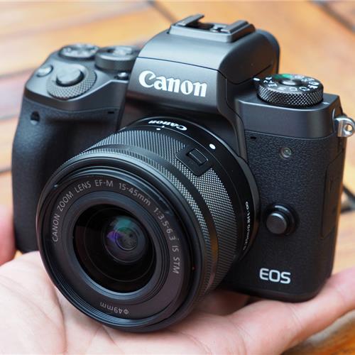 Canon'un yeni aynasızı Canon EOS M5 karşınızda