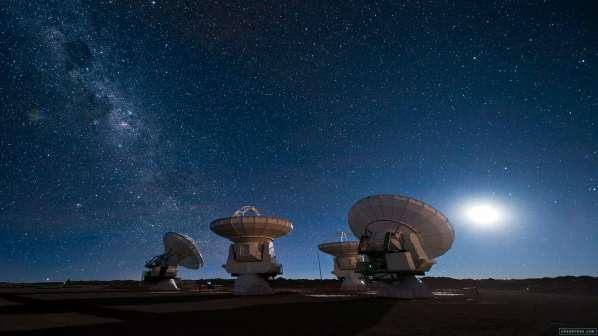 Stephen Hawking and Yuri Milner : 100 millions de dollars pour chercher des extra-terrestres