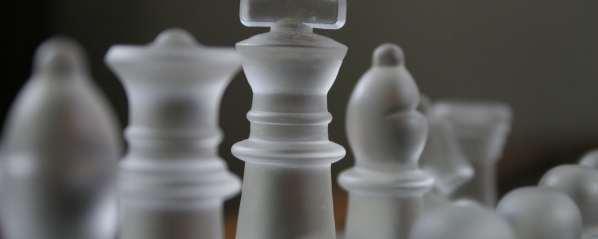 Une intelligence artificielle apprend le jeu d'échecs en 72 heures et atteint un niveau de tournoi international