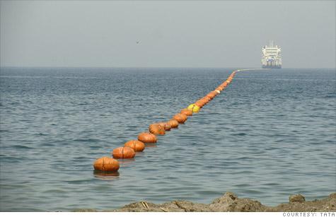 Les sous-marins russes surveillent les câbles internet sous-marins des USA