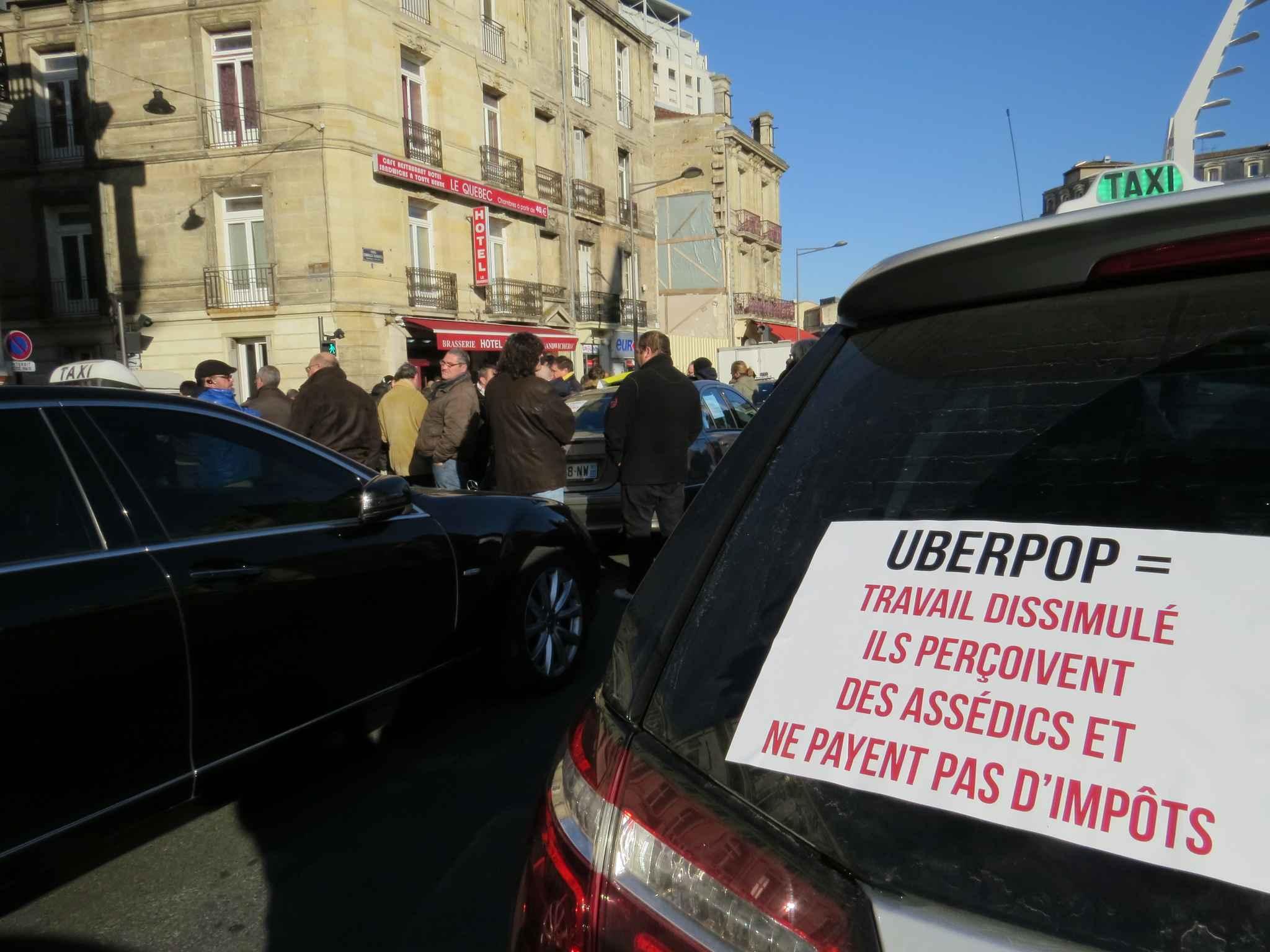 UberPOP expulsé des Pays-Bas tandis qu'Uber est accusé d'évasion fiscale en Australie
