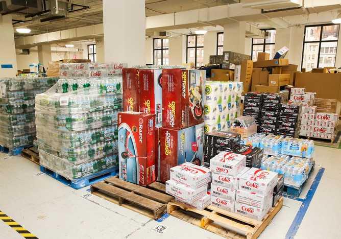 L'entrepot d'Amazon en plein milieu de l'immeuble Midtown Manhattan pour son service Prime Now