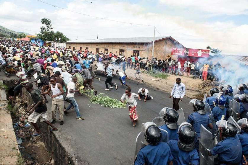 Face au risque de génocide, l'Union africaine mobilise 5000 hommes au Burundi