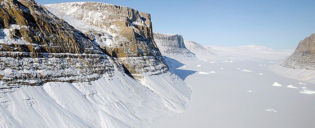 Le plus grand canyon du monde se trouverait sous la glace de l'Antarctique