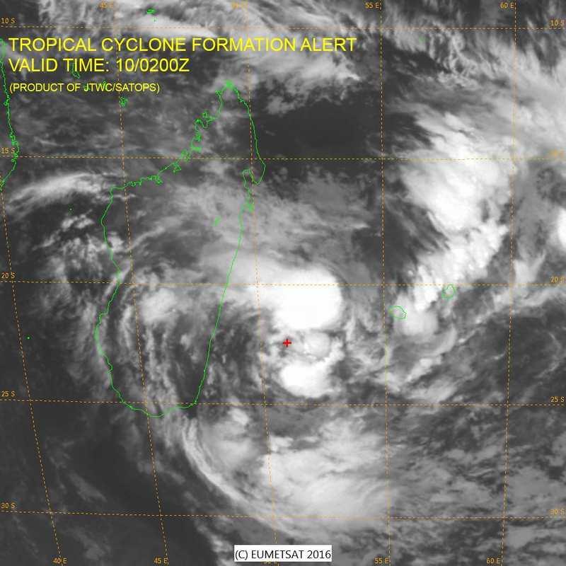 La dépression tropical 96S pourrait se transformer en un cyclone batipisé Daya à coté de Madagascar