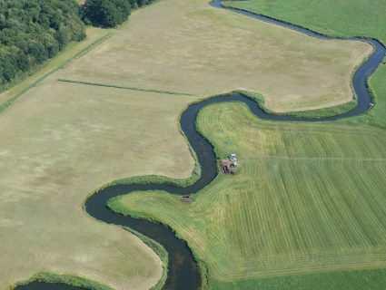 La rivière de Tollense, paisible en apparence, mais qui a abrité cette bataille colossale de l'âge de Bronze
