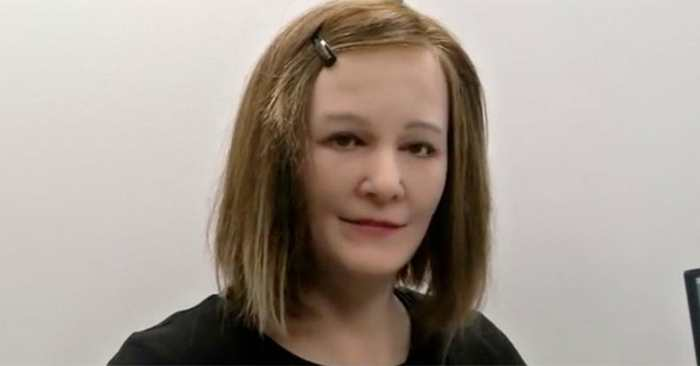 Nadine, un robot émotionnellement intelligent