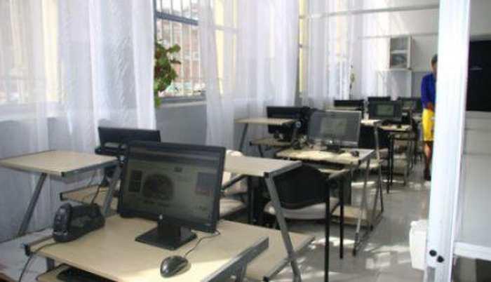 La Poste de Madagascar va ouvrir plusieurs centres multimédias ou cybercafé pour faciliter l'accès aux nouvelles technologies