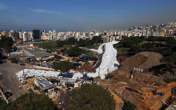 La rivière d'ordure dans Beyrouth