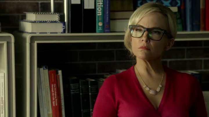 Cette blonde dans la série Lucifer est une psy qui fait payer ses consultations en nature