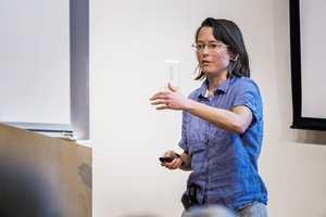 Eva Silverstein a développé de nombreux modèles de la théorie des cordes concernant l'inflation cosmique